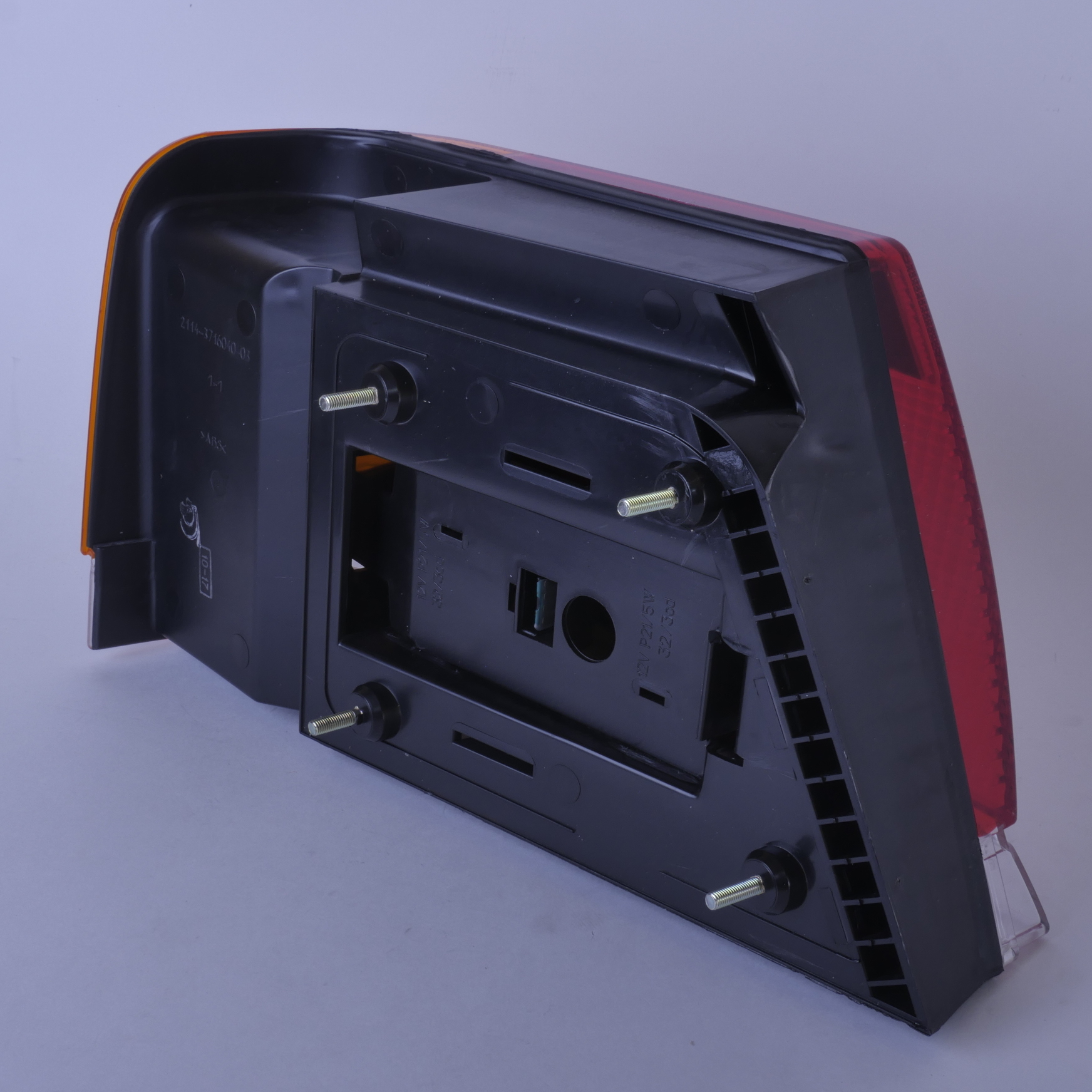 Фонарь задний ВАЗ-2115 наружный правый