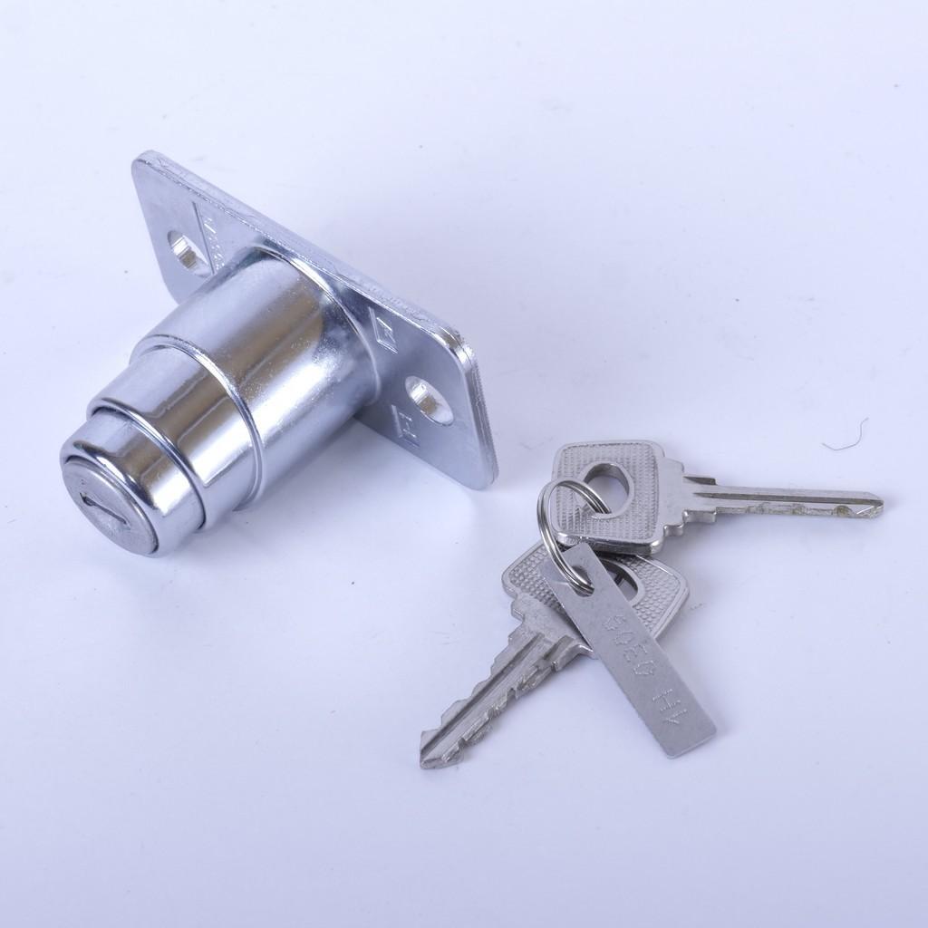 Комплект ручек дверей ВАЗ-21099 и замок крышки багажника