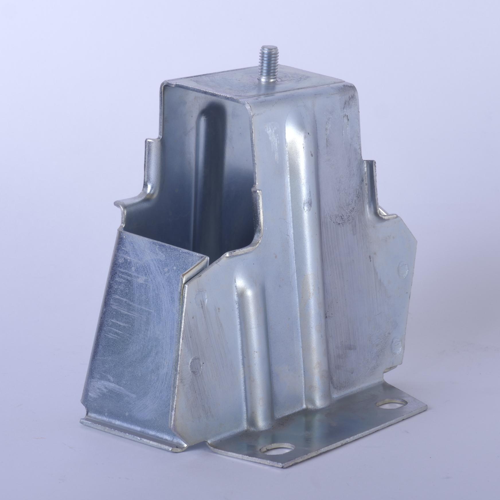 Кронштейн заднего бампера ВАЗ-2113, -2114 левый