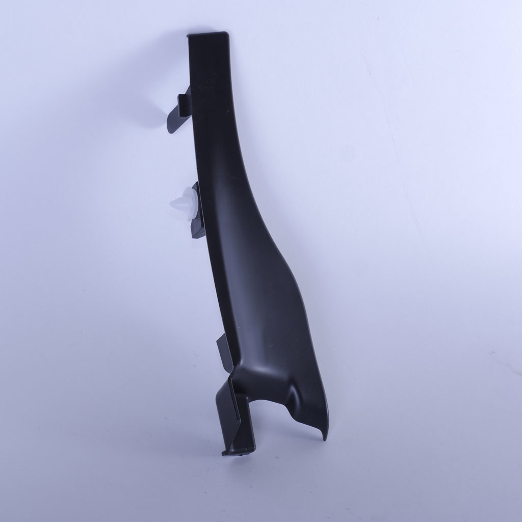 Заглушка (уголок) решетки воздухозаборника LADA Largus и Renault Logan правая