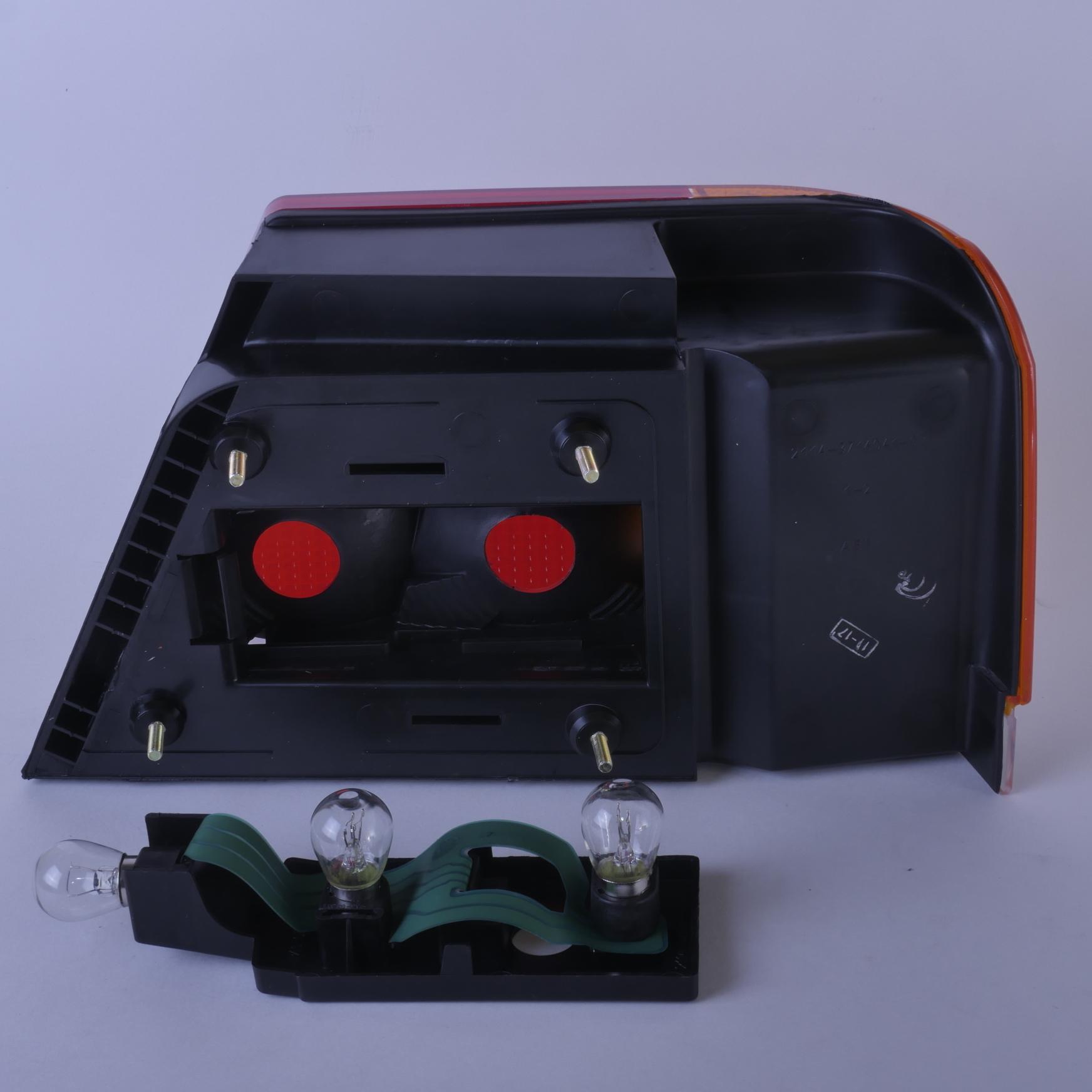 Фонарь задний ВАЗ-2115 наружный левый