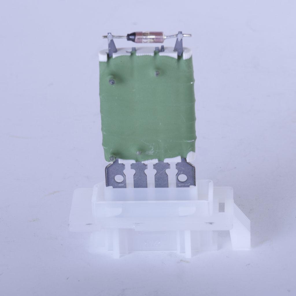 Резистор добавочный электровентилятора отопителя LADA Largus